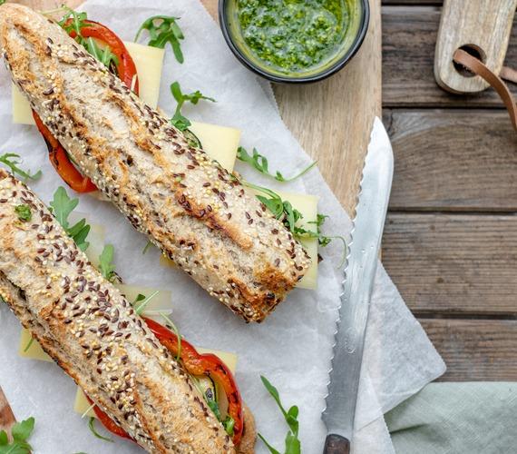 Broodje met gegrilde groenten en Comté